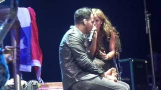 La guerra- Romeo santos ft. Giselle (Movistar Arena Febrero 2013)