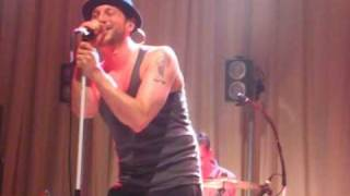 BEATSTEAKS - I DON'T CARE AS LONG AS YOU SING