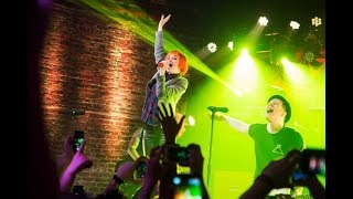 FALL OUT BOY FEAT. HAYLEY WILLIAMS - SUGAR WERE GOING DOWN