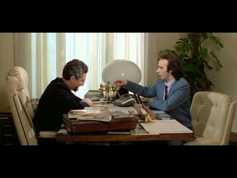 Roberto Benigni - Tu Mi Turbi banca direttore (1983).avi