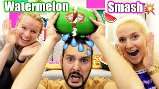 WATERMELON SMASH Challenge  Wassermelone Macht KAAN NINA Oder KATHI Nass? Kaans Hose Nass