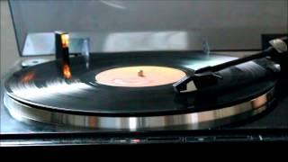 Triumph - Hold On (vinyl rip)