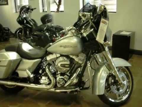 2015 Harley-Davidson Street Glide® Special in Mentor, Ohio