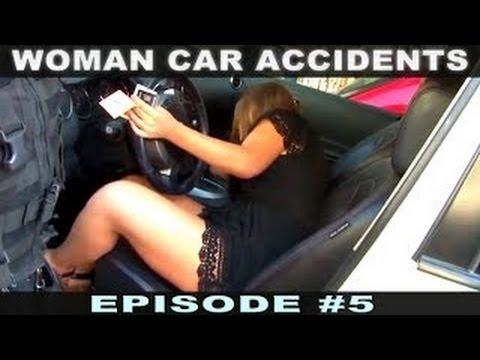 Les femmes provoquées chevelues de la photo
