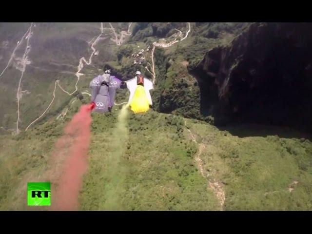sportourism.id - Kejuaraan-Dunia-Wingsuit-Fly-2016