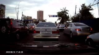 """""""езда"""" мажоров без номеров в Алматы. Смотреть с 40-й секунды."""