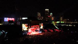 Sic'em on a Chicken - Zac Brown Band at Fenway Park