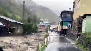 На Сочи обрушились сильнейшие дожди, а ранее непогода натворила бед в Дагестане.