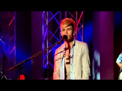 """Colton Dixon, Along with His Sister, Schyler, Sing """"You Are"""" - The 700 Club"""