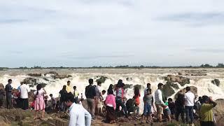 preview picture of video 'ជ្រោះ ្រពះនិមិត្ត ហៅជ្រោះ សុភក្រ្ត័មិត្ត (Preah Nimit Waterfall or Sopheak Mit Waterfall)'