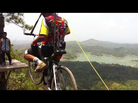 Video Flying Fox Bike Di Kalibiru Kulon Progo