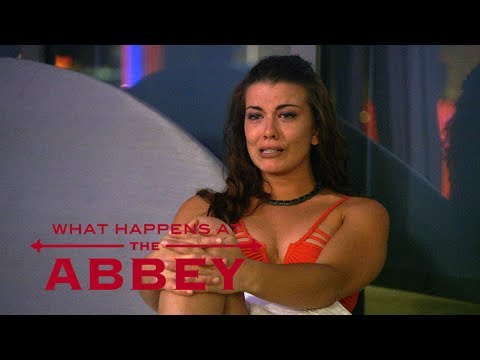 Elizabeth Breaks Down After Catching Kim | What Happens at the Abbey | E!