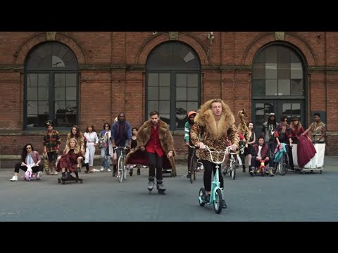 Macklemore & Ryan Lewis - Thrift Shop Feat. Wanz