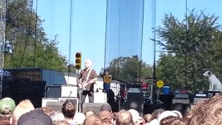 Billy Bragg- A Pict Song; live at Riot Fest