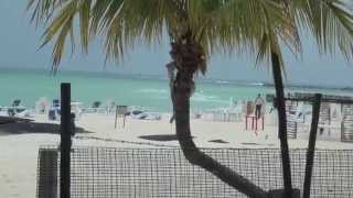 preview picture of video 'Rainy Lunch at Sunset Grill, Isla Mujeres'