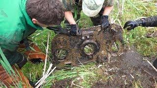 В болоте У разбитого танка винтовки, пулемет Максим где то рядом! Weapons found near the tank