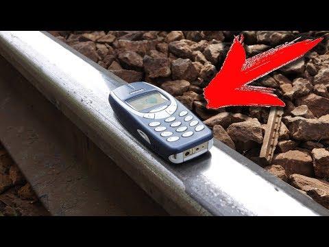 EXPERIMENT: NOKIA 3310 WAITS IT'S TRAIN !!