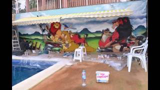 Decoración graffiti mural infantil piscina