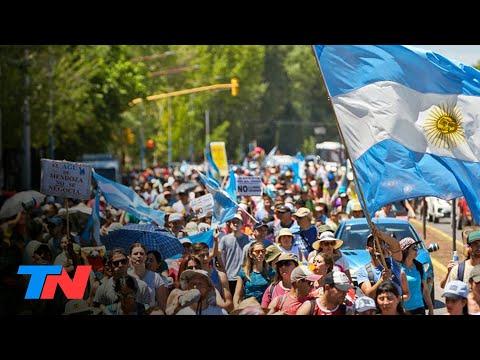 Masiva marcha en Mendoza contra las reformas a la ley minera