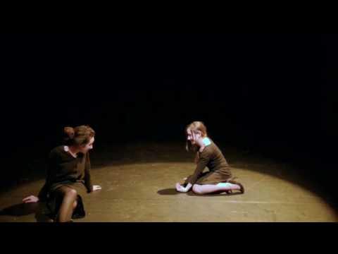 J'étais dans ma maison... mis en scène par Nicolas Grosrichard, best off captation au Théâtre de Vanves (rôle de la plus jeune)