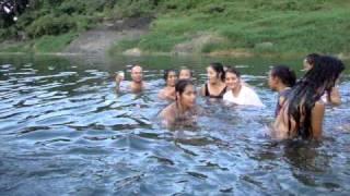 preview picture of video 'VACACIONES 2010 EN EL RIO 1 AGOSTO'