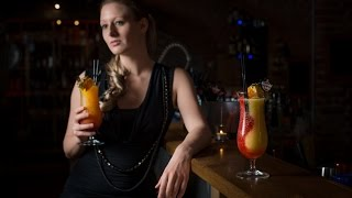Fotoshooting in der Cocktail-Bar - Making of/BTS