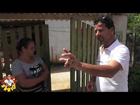 Esgoto invade casa da moradora na Favela do Justinos , e Sabesp diz que é serviço mal feito da Prefeitura e Viviane paga o pato.