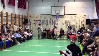 preview picture of video 'Herman Ottó Általános Iskola Tatabánya Farsang 2013. (1080p HD)'