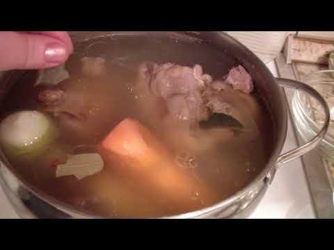 Как приготовить холодец ? Вкусное мясное блюдо .