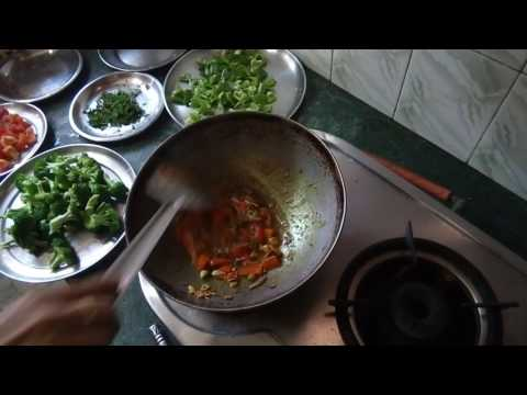 Video Broccoli Sabzi Recipe|Indian Style tasty Broccoli Sabzi|Broccoli Mix Vegetable sabzi Recipe
