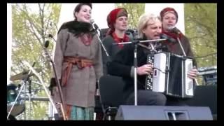 """Гаївки від """"Країни мрій"""" у Пирогові 22 квітня 2007 р"""