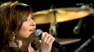 "Rita Eriksen - ""Glass Onion"" ((Live))"