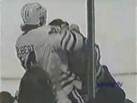 Bob Probert vs. Todd Ewen