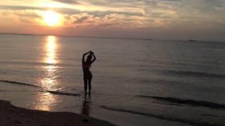 Смотреть онлайн Караоке Ани Лорак – Оранжевые сны