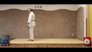 Ushiro-Ukemi (Rückwärtsrolle) aus dem Stand