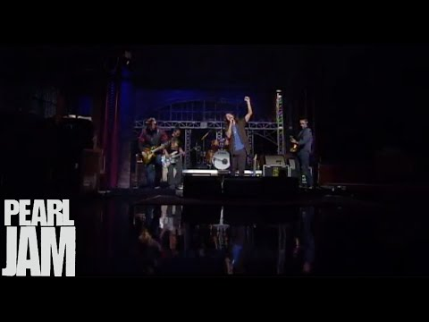 Severed Hand - Late Show With David Letterman - Pearl Jam