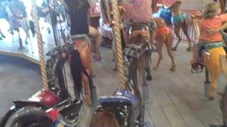 preview picture of video 'Riding on The Carousel at Lakeside Park.'