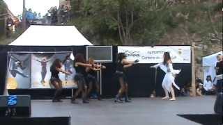 preview picture of video 'El lago de los cisnes, Alumnas Junior 2 de GIG  de Corbera de Llobregat'