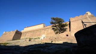 preview picture of video 'Isola di Capraia. Tramonto in paese'