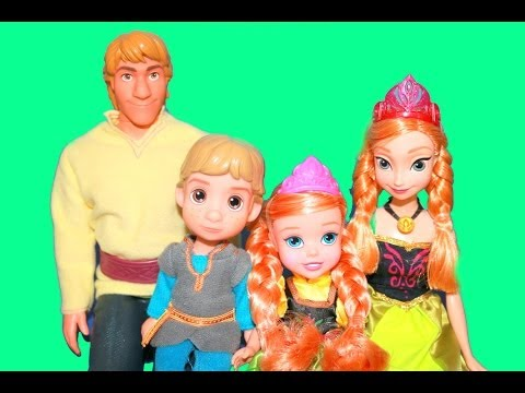 Young Kristoff & Anna Doll TOYS R US Exclusive Review with Frozen Barbie AllToyCollector