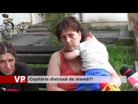 Copilărie distrusă de mamă