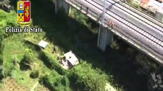 preview picture of video 'Elicottero Salva Ragazzo Caduto da Cavalcavia - Incidente Treno TAV'