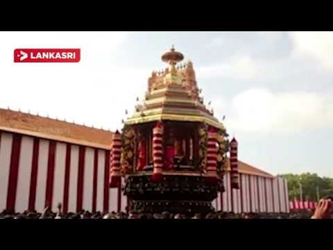 Devotees-throng-Nallur-Kandasamy-Temple-Chariot-festival