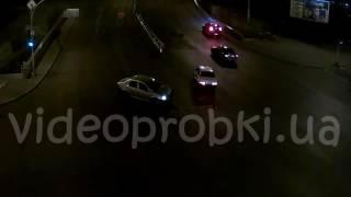 Ночное ДТП в Киеве: ВАЗ vs Renault Logan