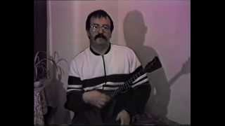 How To Play The Balalaika - Part 1 'The Basics' - Bibs Ekkel (Balalaika Lesson)