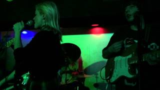 TOPS - Change of Heart (Live) - March 7, 2015 - UFO Factory, Detroit