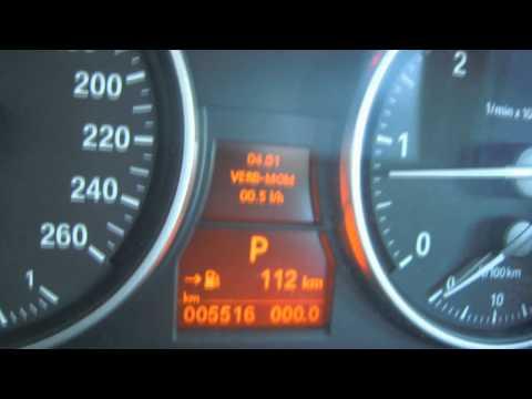 Der Aufwand des Benzins auf schewrole das Feld 212300-55