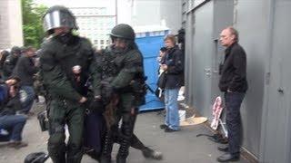 Gewaltsamer Polizeieinsatz Nach Ausschreitungen Bei Blockupy-Demo 2013 (kurze Version)