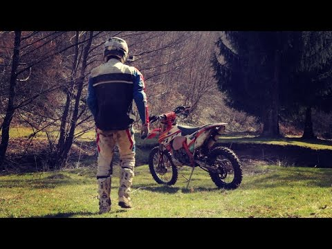 The Enduro Weapon - KTM EXC250 2015