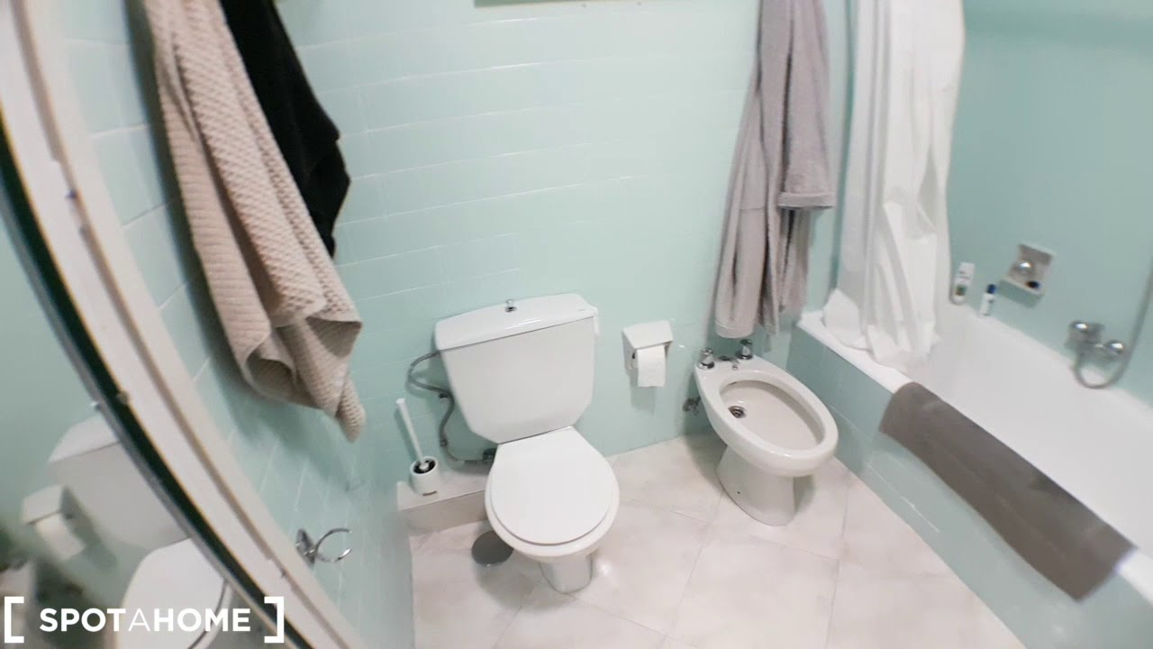 Rooms for rent in 4-bedroom apartment in Lavapiés
